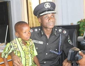 EXCEPTIONAL: A'Ibom Police Commissioner Awards Scholarship to Brilliant Child
